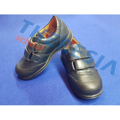 Zapato colegial marino con punta reforzada y velcro