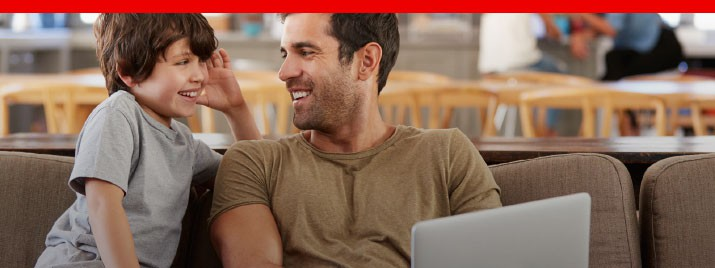 Padre e hijo comprando online